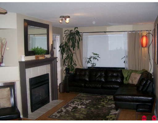 Photo 6: 404 33718 KING Road in Abbotsford: Poplar Condo for sale : MLS(r) # F2728066