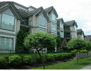 Main Photo: 104 1650 GRANT AV in Port Coquiltam: Glenwood PQ Condo for sale (Port Coquitlam)  : MLS®# V546765