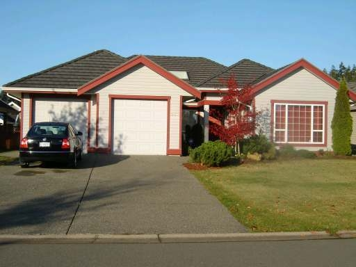 Main Photo: 641 MONARCH DRIVE in COURTENAY: Residential Detached for sale : MLS®# 257249