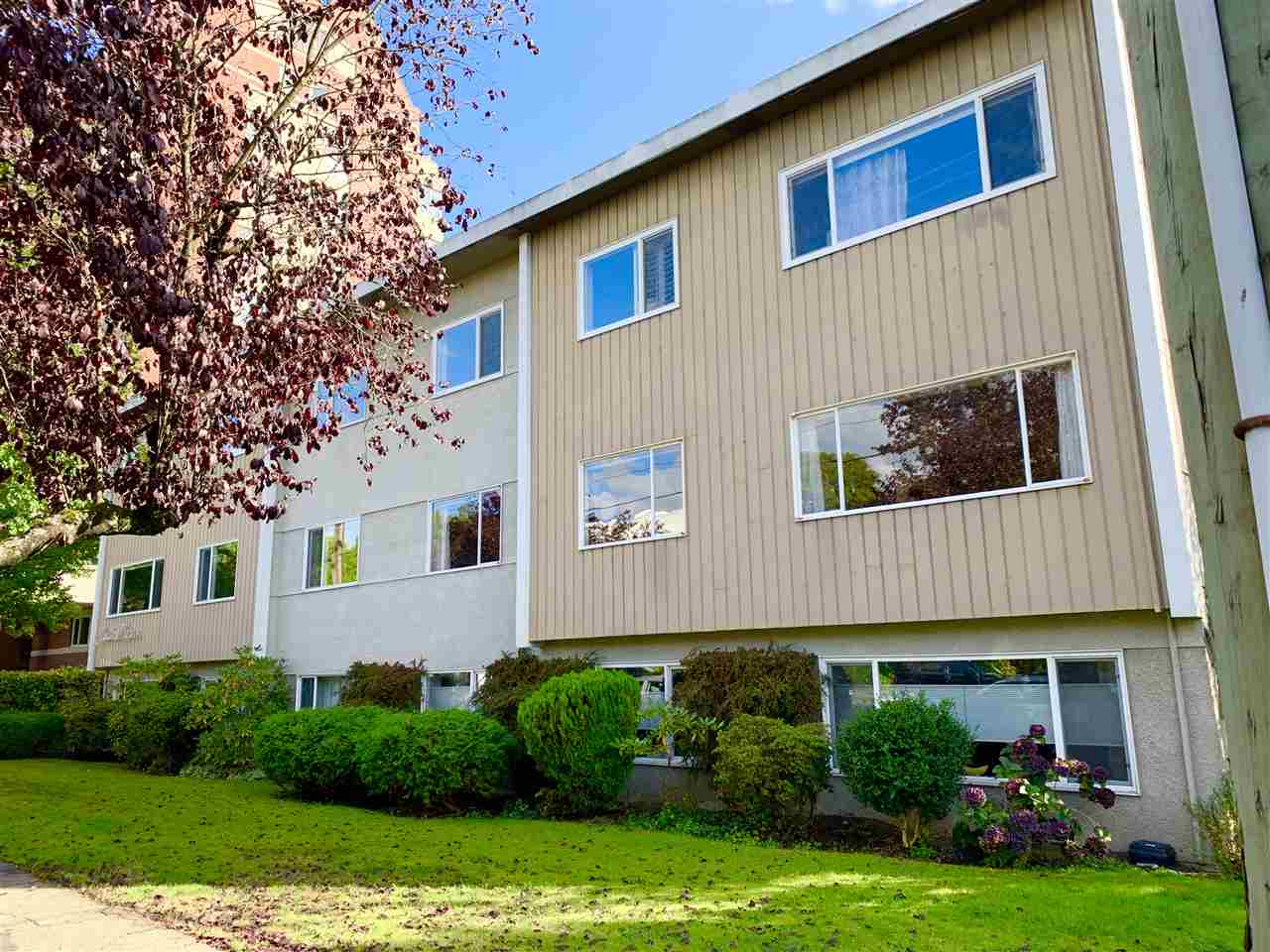 FEATURED LISTING: 205 - 2146 43RD Avenue West Vancouver