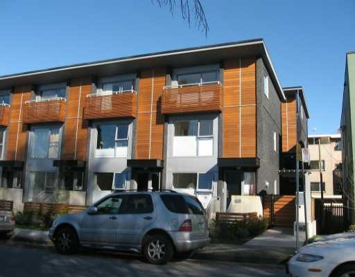 "Main Photo: 1470 ARBUTUS Street in Vancouver: Kitsilano Townhouse for sale in ""THE POINT AT KITS"" (Vancouver West)  : MLS® # V636258"
