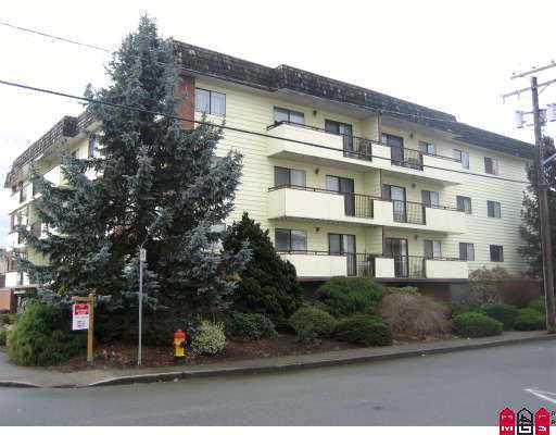 "Main Photo: 9417 NOWELL Street in Chilliwack: Chilliwack N Yale-Well Condo for sale in ""THE AMBASSADOR"" : MLS(r) # H2701137"