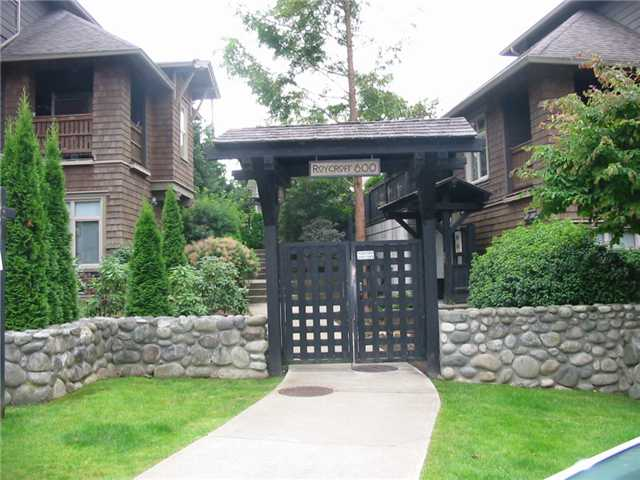 "Main Photo: # 222 600 PARK CR in New Westminster: GlenBrooke North Condo for sale in ""ROYCROFT"" : MLS(r) # V907464"