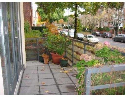 "Photo 10: 2287 W 12TH Ave in Vancouver: Kitsilano Townhouse for sale in ""MOZAIEK"" (Vancouver West)  : MLS® # V637149"
