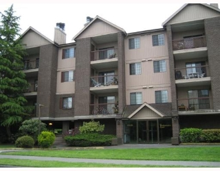"Main Photo: 136 8500 ACKROYD Road in Richmond: Brighouse Condo for sale in ""WEST HAMPTON COURT"" : MLS(r) # V646956"