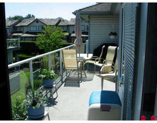 "Photo 6: 18 21579 88B Avenue in Langley: Walnut Grove Townhouse for sale in ""Carriage Park"" : MLS(r) # F2716232"