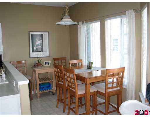 "Photo 10: 18 21579 88B Avenue in Langley: Walnut Grove Townhouse for sale in ""Carriage Park"" : MLS(r) # F2716232"