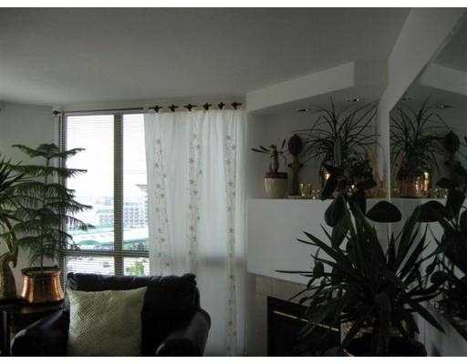 "Photo 3: 1003 680 CLARKSON Street in New_Westminster: Downtown NW Condo for sale in ""THE CLARKSON"" (New Westminster)  : MLS® # V713144"