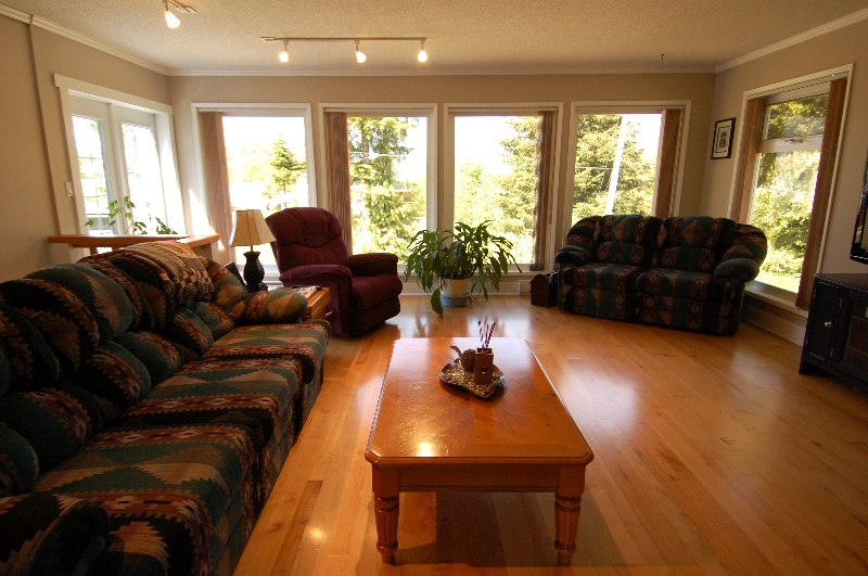 Photo 8: Photos: 320 DEER ROAD in LAKE COWICHAN: House for sale : MLS® # 277372