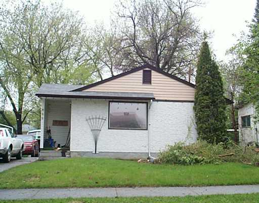 Main Photo: 862 VIMY Road in Winnipeg: Westwood / Crestview Single Family Detached for sale (West Winnipeg)  : MLS® # 2507504