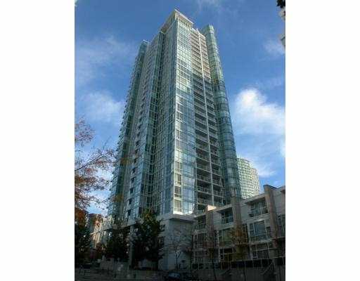 "Main Photo: 1802 193 AQUARIUS BB in Vancouver: False Creek North Condo for sale in ""MARINASIDE RESORT"" (Vancouver West)  : MLS®# V651074"