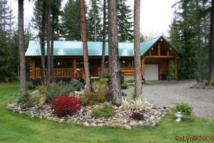 Main Photo: 1240 Morgan Drive: Scotch Creek Residential Detached for sale (North Shore, Shuswap Lake)  : MLS(r) # 9180045