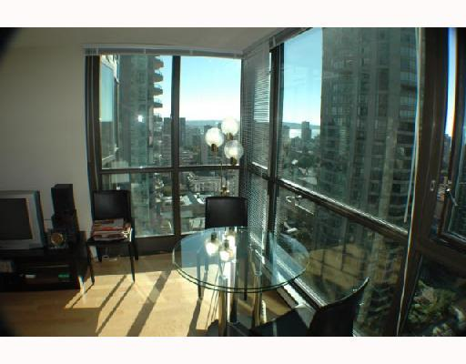 "Photo 4: 2107 1331 ALBERNI Street in Vancouver: West End VW Condo for sale in ""THE LIONS"" (Vancouver West)  : MLS(r) # V667911"