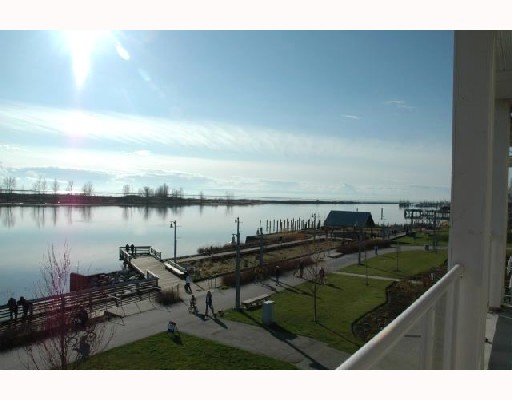 "Photo 3: 319 4600 WESTWATER Drive in Richmond: Steveston South Condo for sale in ""COPPERSKY"" : MLS® # V694436"