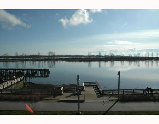 "Photo 2: 319 4600 WESTWATER Drive in Richmond: Steveston South Condo for sale in ""COPPERSKY"" : MLS® # V694436"