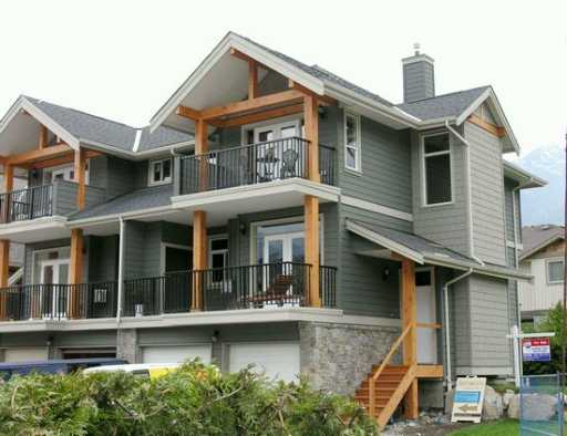 "Photo 4: 39760 GOVERNMENT Road in Squamish: Northyards Townhouse for sale in ""ARBOURWOODS"" : MLS® # V630877"