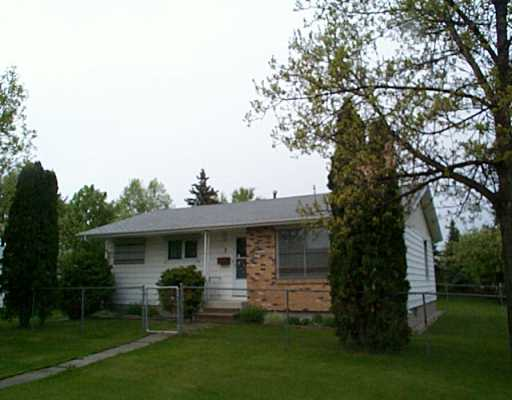 Main Photo: 3 SWISS Bay in Winnipeg: North Kildonan Single Family Detached for sale (North East Winnipeg)  : MLS®# 2507929