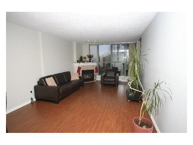 "Photo 3: # 201 200 NEWPORT DR in Port Moody: North Shore Pt Moody Condo for sale in ""THE ELGIN"" : MLS(r) # V866007"