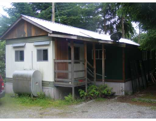 Main Photo: 11 5294 SELMA PARK Road in Sechelt: Sechelt District Manufactured Home for sale (Sunshine Coast)  : MLS®# V715206