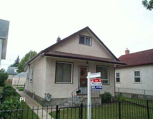 Main Photo: 408 AIRLIES Street in Winnipeg: North End Single Family Detached for sale (North West Winnipeg)  : MLS® # 2614056