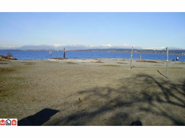 Photo 2: 12195 SULLIVAN ST in Surrey: Crescent Bch Ocean Pk. House for sale (South Surrey White Rock)  : MLS(r) # F1100089