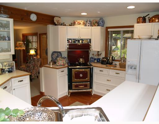 Photo 5: Photos: 3320 BEACH Avenue in Roberts_Creek: Roberts Creek House for sale (Sunshine Coast)  : MLS®# V646792