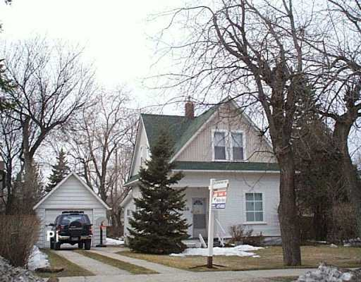 Main Photo: 266 WHYTEWOLD Road in Winnipeg: St James Single Family Detached for sale (West Winnipeg)  : MLS® # 2604392
