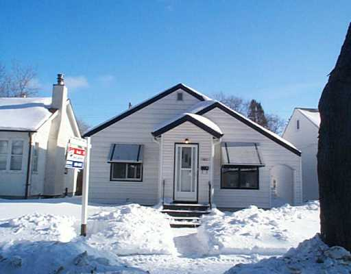 Main Photo: 1117 SPRUCE Street in Winnipeg: West End / Wolseley Single Family Detached for sale (West Winnipeg)  : MLS(r) # 2501046