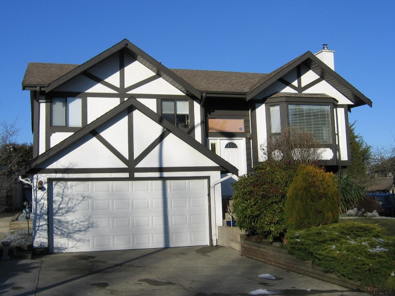 Photo 1: 13267 66A Avenue in Surrey: West Newton House for sale : MLS(r) # F2801858