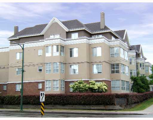 "Main Photo: 202 2405 KAMLOOPS Street in Vancouver: Renfrew VE Condo for sale in ""8TH AVENUE TERRACE"" (Vancouver East)  : MLS®# V651808"