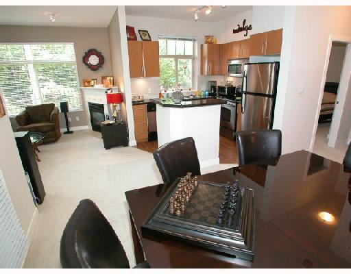 Photo 1: 109 2330 WILSON Avenue in Port_Coquitlam: Central Pt Coquitlam Condo for sale (Port Coquitlam)  : MLS(r) # V657811
