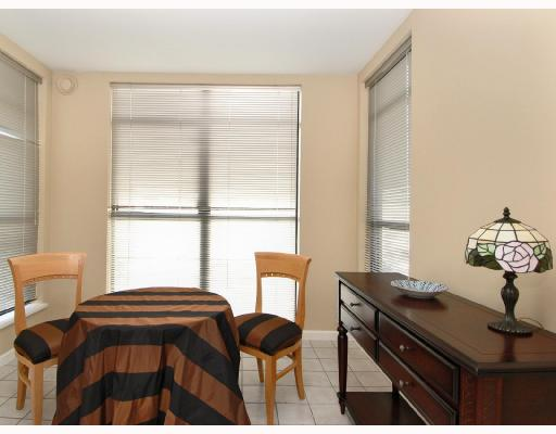 Photo 3: 305 2181 W 10TH Avenue in Vancouver: Kitsilano Condo for sale (Vancouver West)  : MLS® # V686142