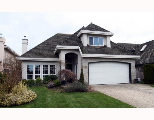 "Main Photo: 1698 SPYGLASS Crescent in Tsawwassen: Cliff Drive House for sale in ""IMPERIAL VILLAGE"" : MLS®# V692802"