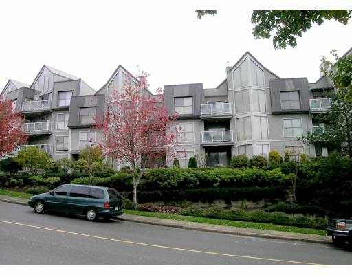 "Main Photo: 202 60 RICHMOND ST in New Westminster: Fraserview NW Condo for sale in ""GATEWAY"" : MLS®# V603448"