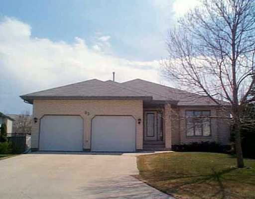 Main Photo:  in Winnipeg: Windsor Park / Southdale / Island Lakes Single Family Detached for sale (South East Winnipeg)  : MLS® # 2505171