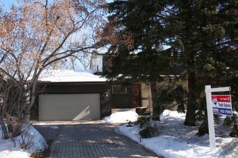 Main Photo: 85 Tunis Bay / Fort Richmond in Winnipeg: House/Single Family for sale (Fort Richmond)  : MLS® # 2703644