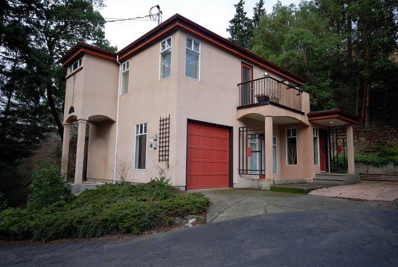 Photo 2: 2373 Bellamy Rd in Victoria: Residential for sale : MLS® # 273374