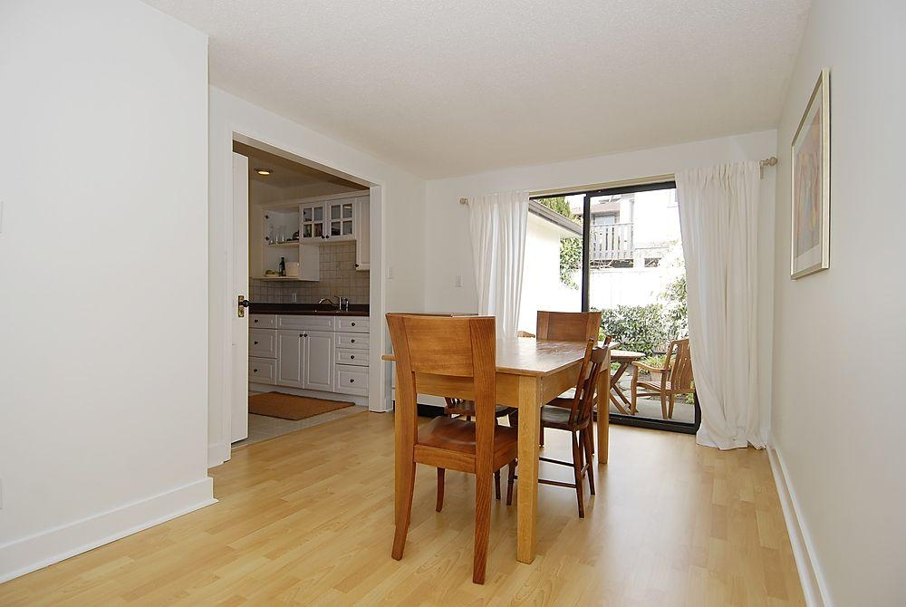 Photo 4: 2565 Empire St in Victoria: Residential for sale : MLS(r) # 274998