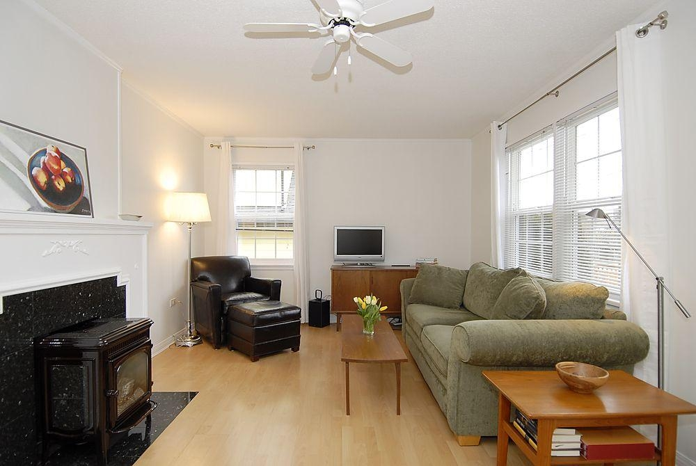 Photo 2: 2565 Empire St in Victoria: Residential for sale : MLS(r) # 274998