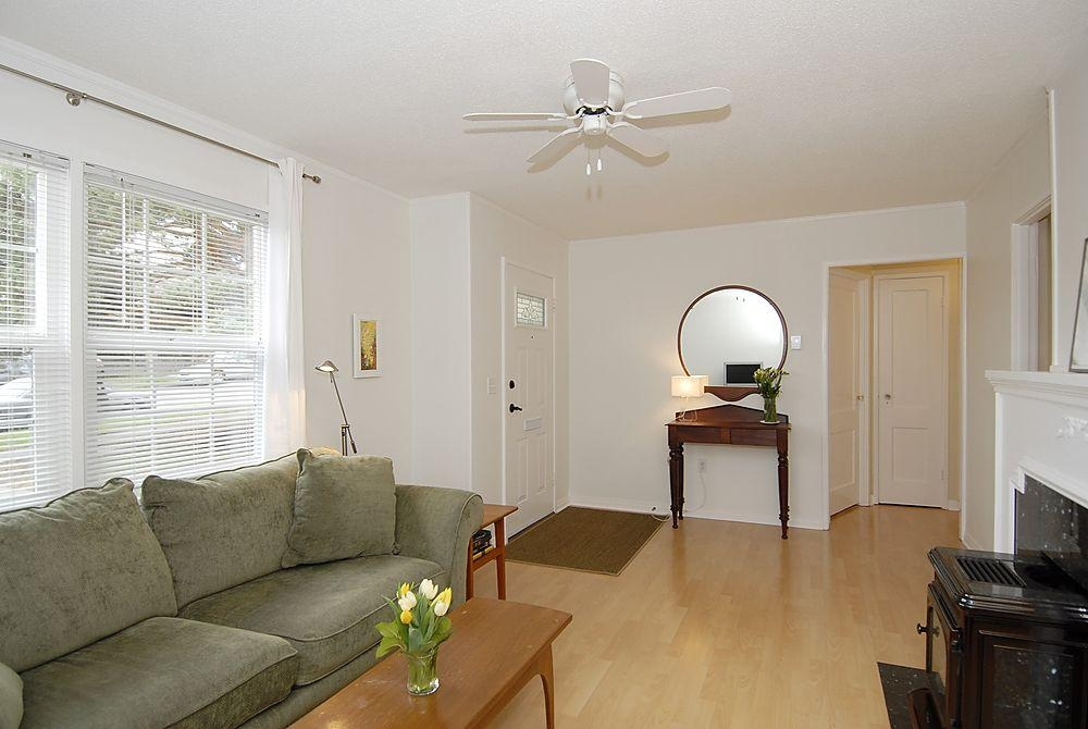 Photo 12: 2565 Empire St in Victoria: Residential for sale : MLS(r) # 274998