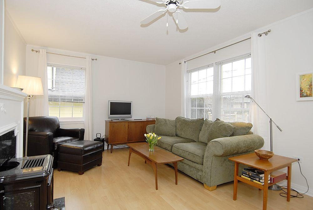 Photo 10: 2565 Empire St in Victoria: Residential for sale : MLS(r) # 274998