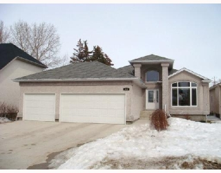 Main Photo: 183 REDVIEW Drive in WINNIPEG: St Vital Residential for sale (South East Winnipeg)  : MLS(r) # 2803798