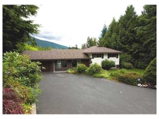 Main Photo: 106 BONNYMUIR DR in West Vancouver: Glenmore House for sale : MLS® # V881570