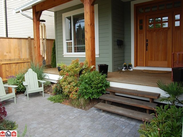 Photo 2: Photos: 16137 14TH AV in Surrey: House for sale : MLS(r) # F1011991