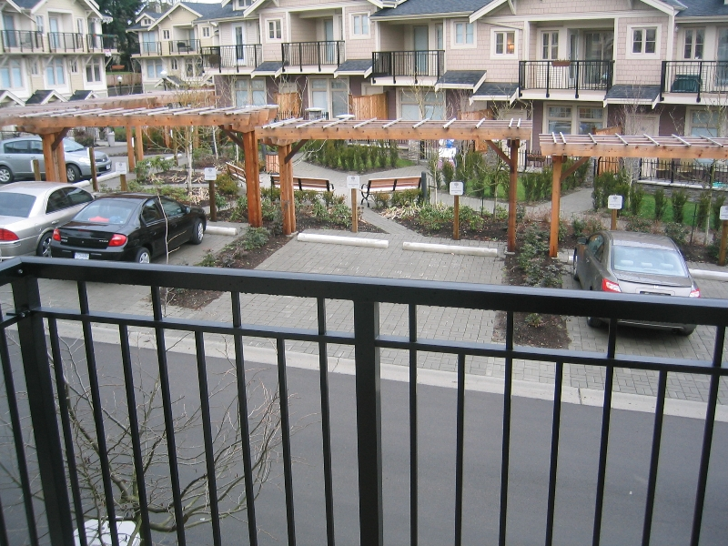 Photo 3: 57 245 FRANCIS Way in New_Westminster: Fraserview NW Townhouse for sale (New Westminster)  : MLS® # V681903