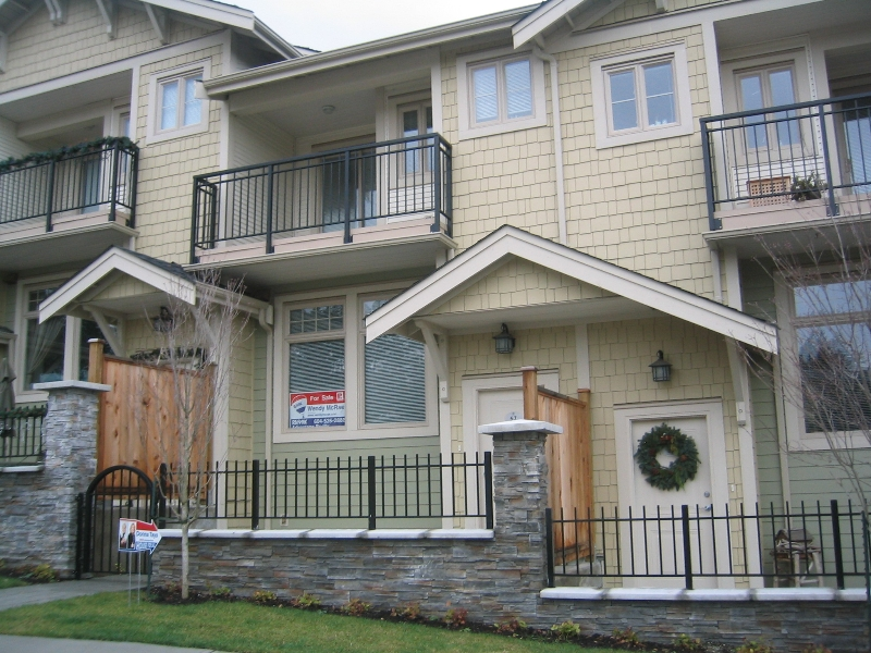 Photo 1: 57 245 FRANCIS Way in New_Westminster: Fraserview NW Townhouse for sale (New Westminster)  : MLS® # V681903