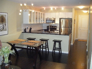 Main Photo:  in Kelowna: Apartment Unit for sale (North Glenmore)  : MLS® # 9197046