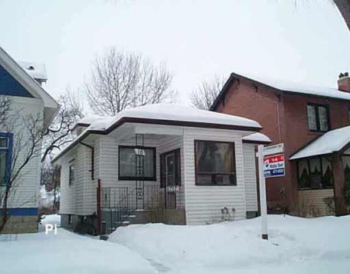 Main Photo: 18 HART Avenue in Winnipeg: East Kildonan Single Family Detached for sale (North East Winnipeg)  : MLS® # 2601118