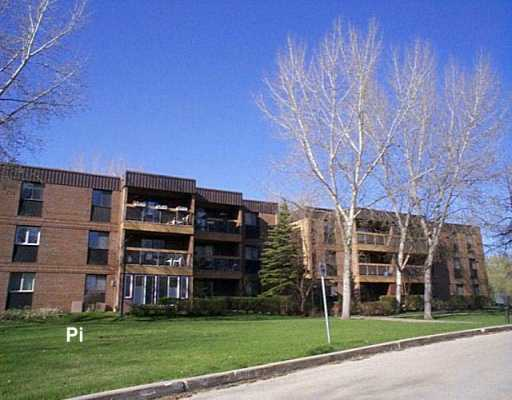 Main Photo: 209 460 KENASTON Boulevard in Winnipeg: River Heights / Tuxedo / Linden Woods Condominium for sale (South Winnipeg)  : MLS® # 2605863