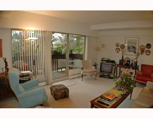 "Photo 2: 7 5575 OAK Street in Vancouver: Shaughnessy Townhouse for sale in ""SHAWN OAKS"" (Vancouver West)  : MLS(r) # V678345"